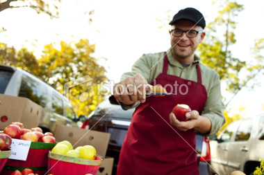 istockphoto 15456881 farmer s market taste my apple